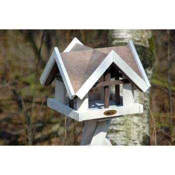 """Braun-weißes Vogelhaus im """"Antikfinish""""-Design mit vier Giebeln"""